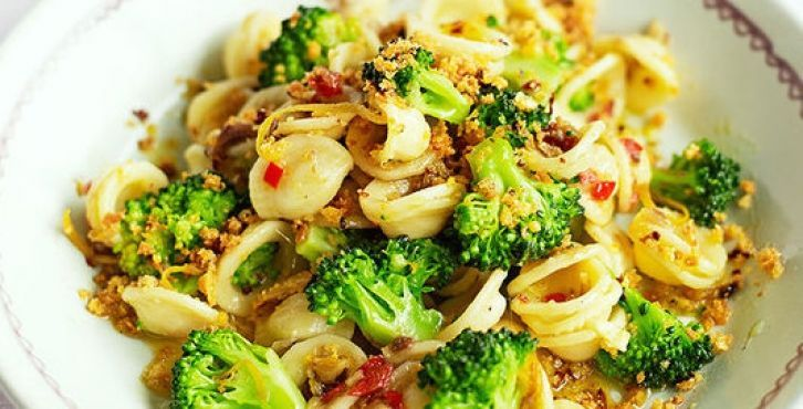 Orecchiette with broccoli and anchovies
